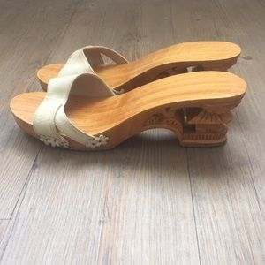 Shoes - Vintage Wood carved size 8 white leather heals.
